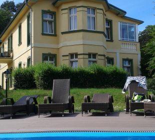 Pool Ostseehotel Villen im Park