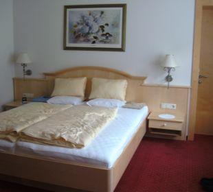 Elternzimmer vom Famiienzimmer Hotel Silbertal