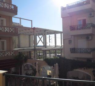 Blick auf 1. Baustelle vom Balkon Evdion Hotel