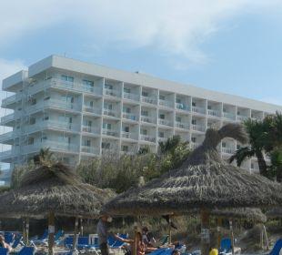 Blick vom Strand zum Hotel Hotel Playa Esperanza