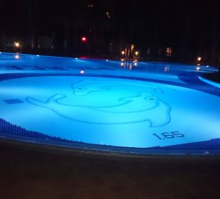 Pool bei Nacht  Vera Stone Palace Resort