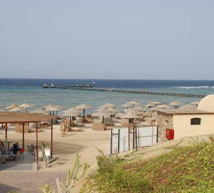 Strand mit Strandbar und neuer Duschanlage
