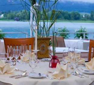 Restaurant und Terrasse Inselhotel Faakersee