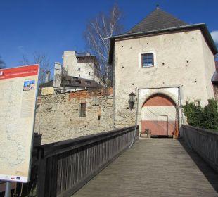 Zugbrücke zur Burg Hotel Schatz.Kammer Burg Kreuzen