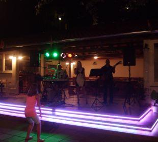 Der neue Barbereich auf der Terrasse Villa Pavlinka