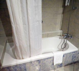 Badewanne mit Duschvorhang IFA Catarina Hotel