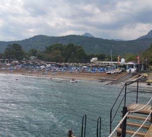 Blick vom Steg zum Strand Hotel Champion Holiday Village