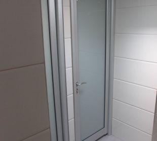 Strandbar-Toilette