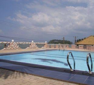 Poolansicht Bochum Lanka Resort