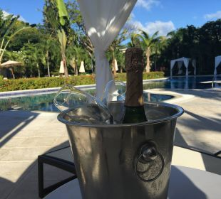 Pool Inselmitte & Abschiedsgeschenk  Luxury Bahia Principe Cayo Levantado Don Pablo Collection