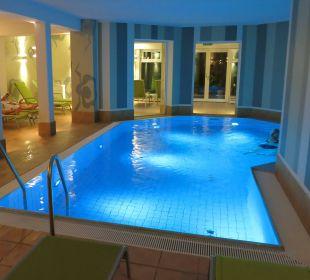 Pool mit Farbwechsel (blau, grün und rot) Villa Usedom