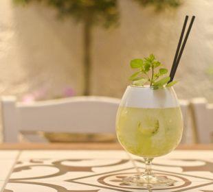 Mojito Cocktail mit Minze von eigenem Garten Evdion Hotel