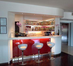 Gut ausgestattete Bar Jazz Hotel