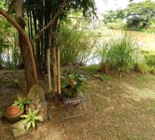 Schmuchstücke im Garten Hotel Baan Chai Thung