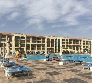 Pool White Beach Resort