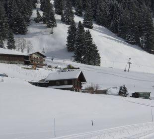 Kleiner Kinderlift ca. 300m entfernt Hotel Alpina