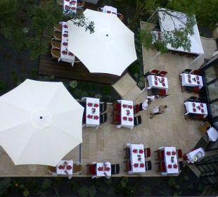 K+K am Harras Restaurantgarten von oben K+K Hotel am Harras