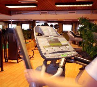 Fitnessraum mit div. Kraftgeräten Hotel Pulverer