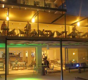Blaue Stunde an der Bar Mar Azul PurEstil  Hotel & Spa