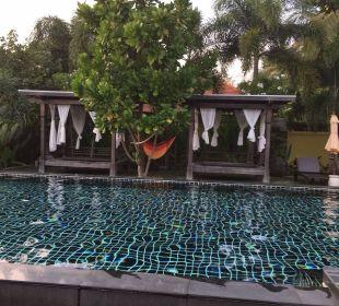 Massageliegen Hotel Chong Fah Beach Resort