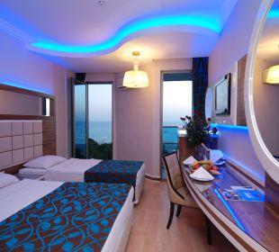 Room 4 Hotel Grand Zaman Beach