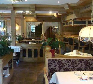 Restaurant Richtung Ausgang und Sauna Berghotel Madlener