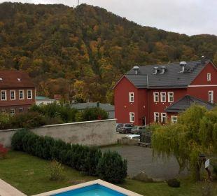 Blick auf den Pool Ferienpark Bodetal
