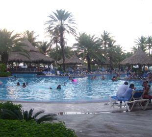 1 von 3 Pools Hotel Isla Caribe Beach