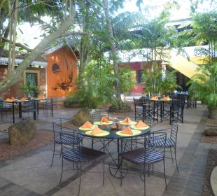Restaurant - Garden Amal Villa