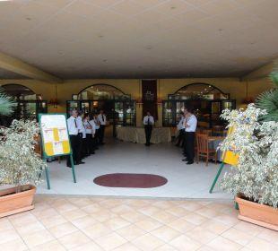 Eingang zum Hauptrestaurant