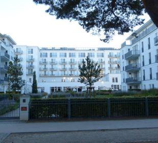 Hotelblick von der Promenade Steigenberger Grandhotel and Spa