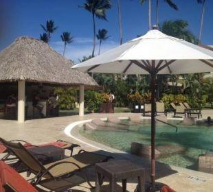 Preff. Club Pool Sand Bar Now Larimar Punta Cana