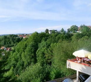 Blick vom Balkon nach rechts zur Rest.-Terrasse Ringhotel Roggenland