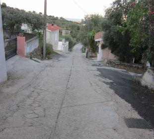 Die Strasse runter nach Budoni Sardafit Ferienhaus Budoni