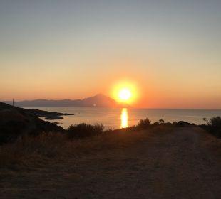 Sonnenaufgang über Artos Hotel Maistrali