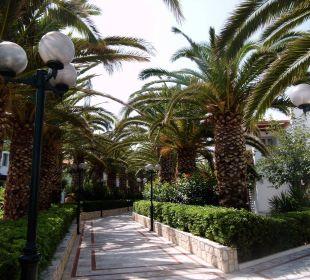 Wege in der Anlage AKS Annabelle Beach Resort