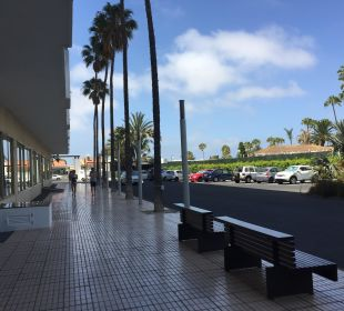 Vor dem Hotel/Parkplatz SENTIDO Gran Canaria Princess
