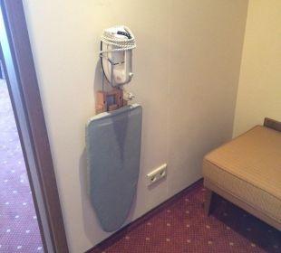 Ironing board Hotel Holiday Inn Nürnberg City Centre