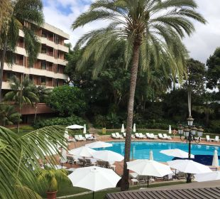 Pool und Haupthaus Hotel Botanico
