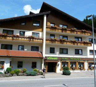 Hoteleingang von der Straßenseite Hotel Müllers Löwen