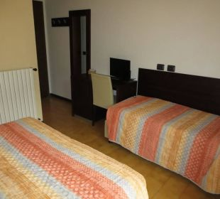 Doppelbett und 3. Liege Hotel Bellavista