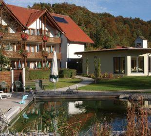 Wellnessbereich und Nebengebäude Hotel Zur Linde