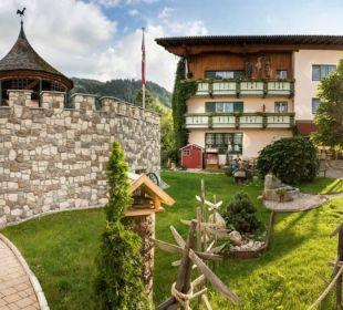 Gartenanlage mit Eingang zum Fahrradkeller Vital Hotel Zum Ritter