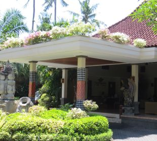 Eingang Lobby Villas Parigata Resort