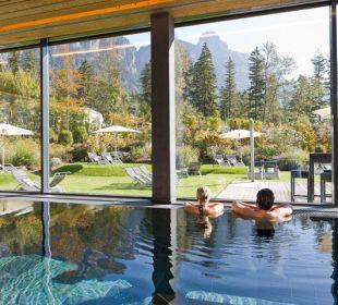 Hallenbad mit Panoramablick © Hotel Traube  Traube Braz Alpen.Spa.Golf.Hotel