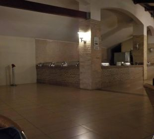 Snackbar am Abend Kirman Leodikya Resort