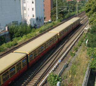 Zugverkehr vom Zimmer aus gesehen EnergieHotel Berlin City West
