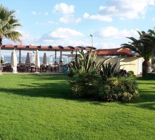 """Das sollte der """"Meerblick"""" sein... Vantaris Beach Hotel"""
