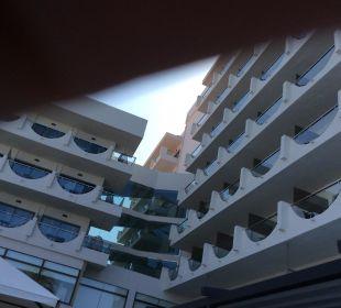 In die Jahre gekommenes Hotel, nicht mehr zeitgemäß Hotel Playa Golf