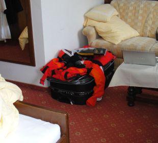 Kein Platz mehr für die Skisachen Hotel Bellevue & Austria